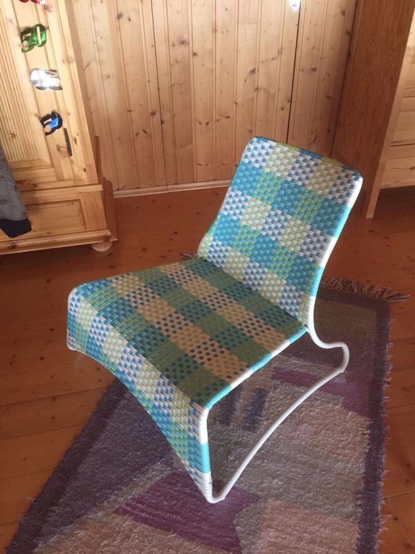 2 Farbige Ikea Kunststoffstühle In Höchst Gartenmöbel Kaufen Und