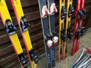 4 paar Skier