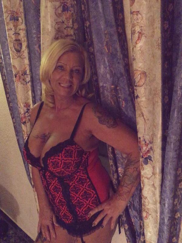 sie sucht sex in köln sexkontakte dd