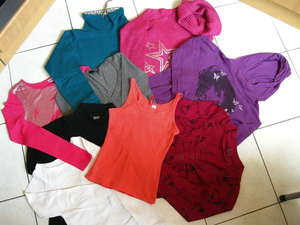 9 Oberteile Gr. XS, 34, 152/158, 164, Shirts Sweatshirts Teenager - Nürnberg - Oberteile zum Paketpreis von nur 16 EUR oder auch einzeln zu kaufen.Bei Einzelkauf je langärmlige Oberteile 3 EUR, je Shirt oder Top 2 EUR.Shirt pink mit Metalleffekt Aufdruck Gr. XS = 34,T-Shirt weiß Gr. 152/158,Pulli grau 3/4 Arm Gr. XS =  - Nürnberg