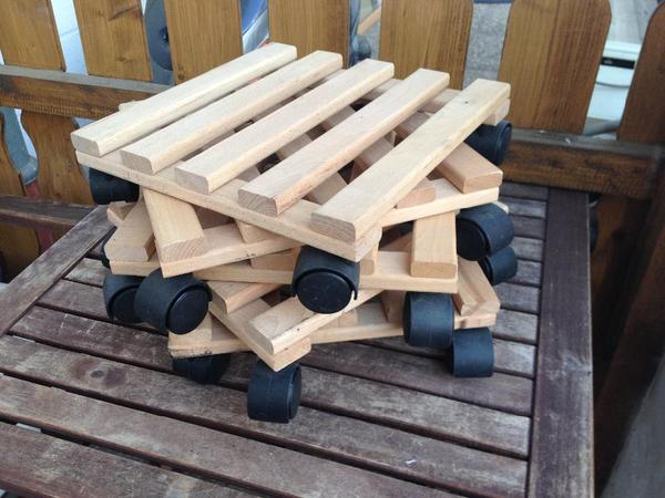 9x Stück 28x28cm Pflanzentrolley mit