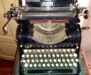 AEG Schreibmaschine mit Blindentastatur 1926
