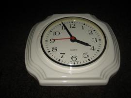 Sonstige Antiquitäten - ältere Wanduhr Küchenuhr Porzellanuhr Uhr