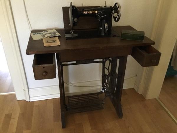 alte nahmaschine tisch gebraucht kaufen nur 2 st bis 65 g nstiger. Black Bedroom Furniture Sets. Home Design Ideas