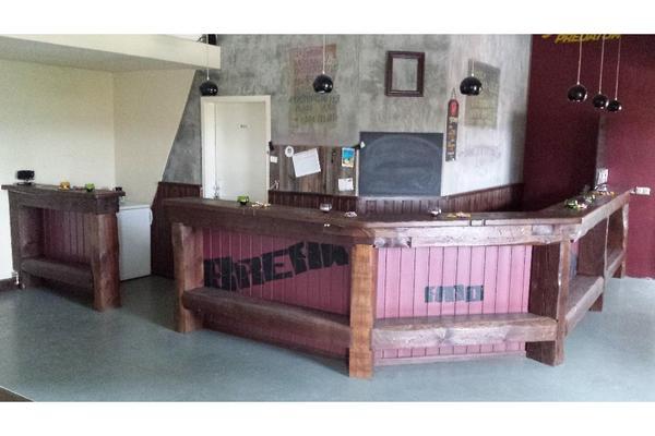 bar tresen massiv holz 8 50 meter mit gardarobe sideboard in weimar gastronomie. Black Bedroom Furniture Sets. Home Design Ideas