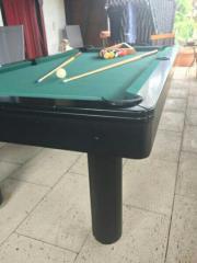 Billiardtisch + Queues + Kugeln +