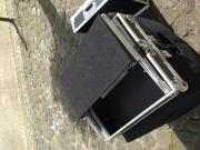 Case mit Laptopablage