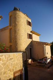 Chalet mit Turm