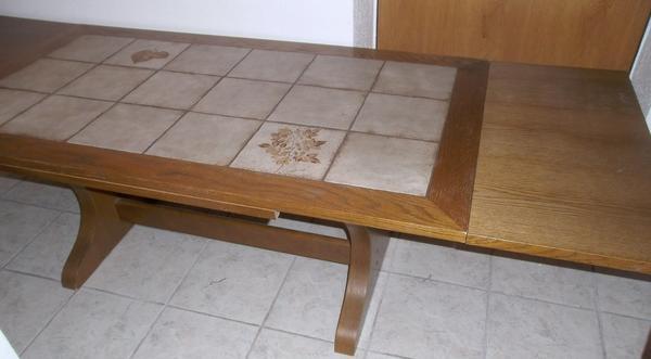 couchtisch wohnzimmertisch in ankauf und verkauf anzeigen. Black Bedroom Furniture Sets. Home Design Ideas