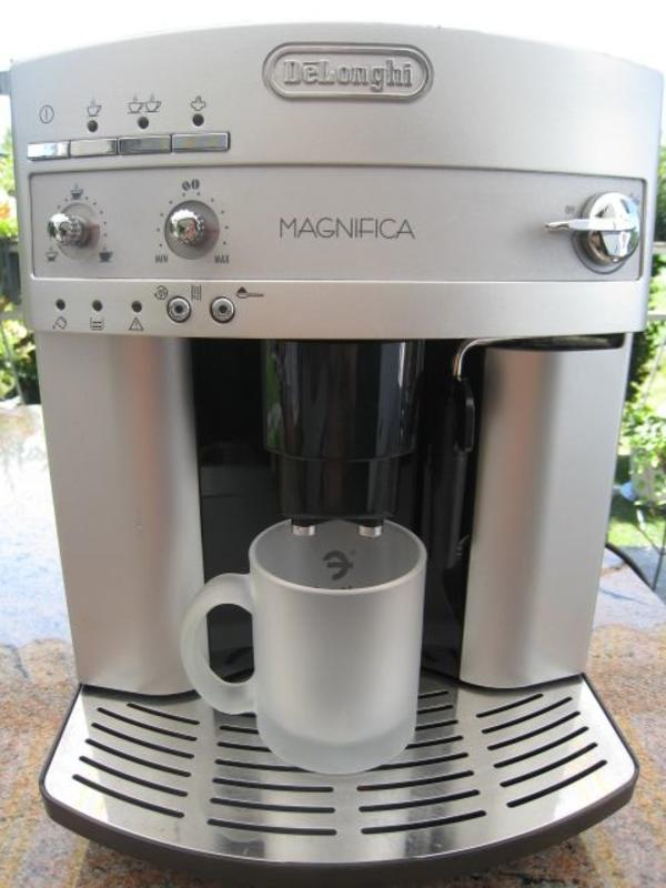 de longhi magnifica esam 3200 s kaffeevollautomat kaffeeautomat in ammerbuch kaffee. Black Bedroom Furniture Sets. Home Design Ideas