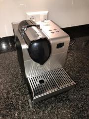 DeLonghi Nespresso EN 520S Lattissima