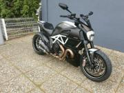 Ducati Diavel Carbon aus 1