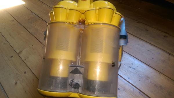 staubsauger gelb gebraucht kaufen 4 st bis 65 g nstiger. Black Bedroom Furniture Sets. Home Design Ideas