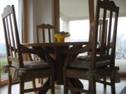 Eßtisch mit vier Stühlen Tischlerarbeit