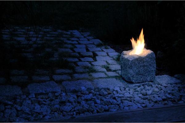 ethanol kamin granit findling f r drinnen und draussen in kirchenthumbach fen heizung. Black Bedroom Furniture Sets. Home Design Ideas