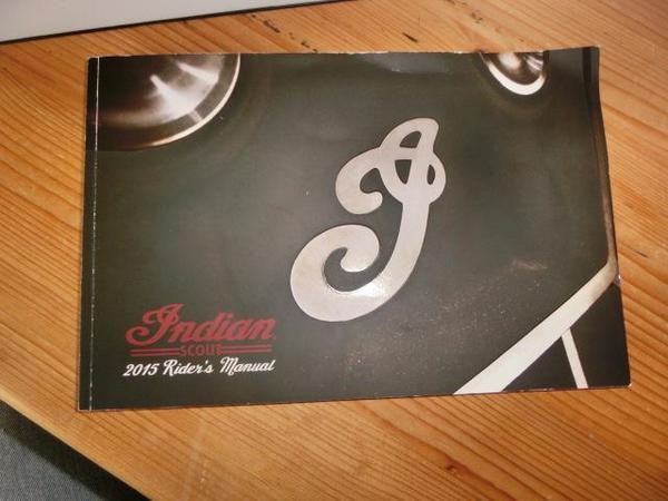 Fahrerhandbuch Indian Scout 1200er - Oberrot - Fahrerhandbuch Indian Scout 1200er in englisch Versand 1,90 - Oberrot
