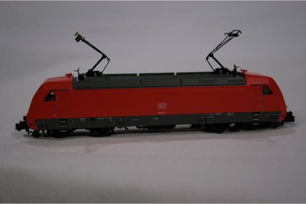 Fleischmann piccolo 7355 Spur N E-Lok BR 101 der DB 027-1 ROT ELOK SpurN - München - Fleischmann 7355 ELLOK BR101 DB AG. Sehr guter Gebrauchtzustand: 1, wenn überhaupt, dann wenig gefahren, ohne signifikante Gebrauchsspuren, keine Beschädigungen, in OVP + Anleitung. EAN: 4005575073554 Elektrische Schnellfahr-Lokomotive der DB - München