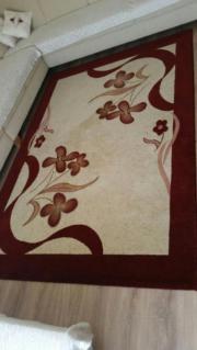 Gepflegter Teppich (groß)