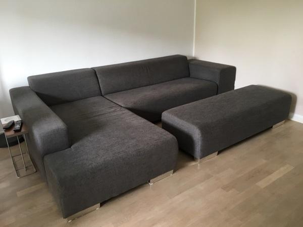 große Couch, anthrazitfarben - Bad Soden - Große Couch, aus anthrazitfarbenem Posterstoff, sehr gut erhalten , nur für Selbstabholer Privater Verkauf, keine Rücknahme - Bad Soden