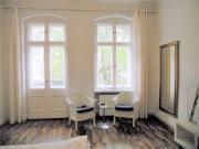 Helles Altbau-Zimmer,