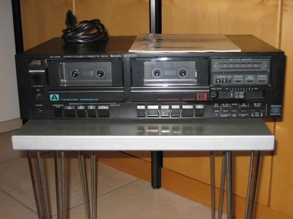 JVC Stereo Double Cassette Deck - Viernheim - JVC Stereo-Doppelkassettendeck KD-W110, in sehr gutem Zustand, mit Bedienungsanleitung und Reinigungskassette, Abmessungen BxHxT: 435x115x279, Gewicht 4,7 kg - Viernheim