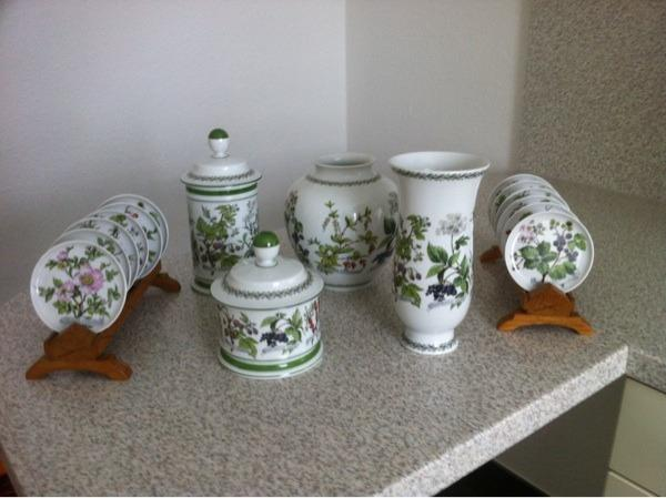 Kaiser Vasen, Deckelgefässe, » Glas, Porzellan antiquarisch