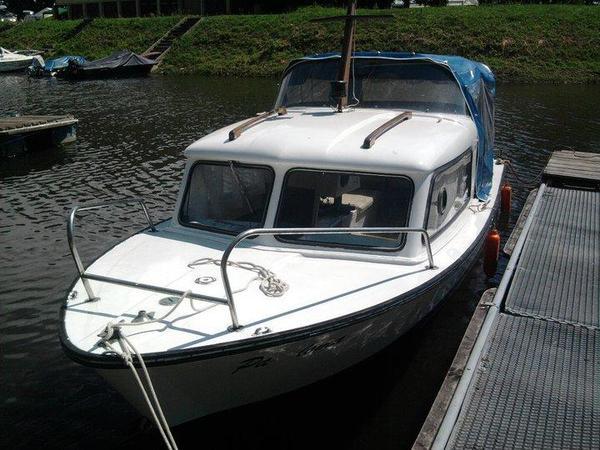 kaj tboot 60ps mit trailer in quedlinburg motorboote. Black Bedroom Furniture Sets. Home Design Ideas