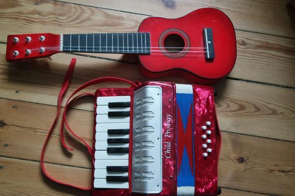 Kinder Akkordeon 8 » Tasteninstrumente
