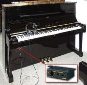 Klavier Yamaha U1