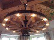 wagenrad lampe haushalt m bel gebraucht und neu. Black Bedroom Furniture Sets. Home Design Ideas