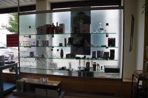 ladeneinrichtung regal raumteiler in gunzenhausen gastronomie ladeneinrichtung kaufen und. Black Bedroom Furniture Sets. Home Design Ideas