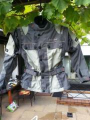 Motorrad-Schutzkleidung für
