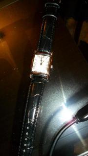 Nagelneue Damen-Armbanduhr