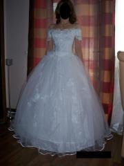 Neues Hochzeitskleid
