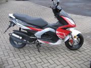NEUW-MOTORROLLER-RUNNER-