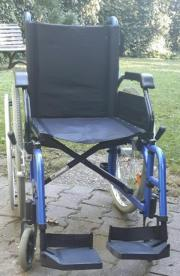Neuwertiger Rollstuhl