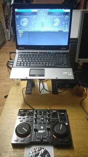 Notebook + DJ-Controller