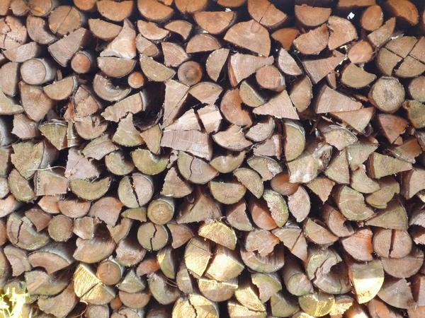 ofenfertiges brennholz kiefer fichte in alfeld holz kaufen und verkaufen ber private. Black Bedroom Furniture Sets. Home Design Ideas