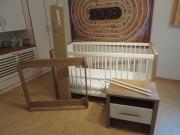 """PAIDI Babybett / Kinderbett """"Rico"""" mit Matratze, Umbauseiten, Nachkommode, Wickelkommodenaufsatz gebraucht kaufen  Ertingen"""