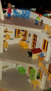 Playmobil Wohnhaus Mit 3 Etage Und 2 Stckigem Anbau Sowie Sehr Vielen Zimmereinrichtungen Kleinanzeigen