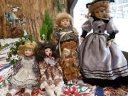 Puppen-M ädels suchen neues Zuhause