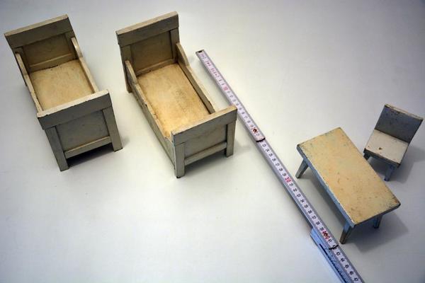 Puppenstube alte Möbel