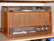 Röhrenradio Grundig Plattenspieler
