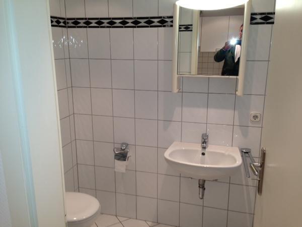 Schöne 2 Zimmer Küche Bad