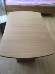 Schöner Holztisch