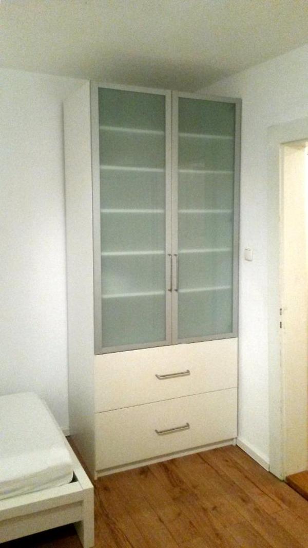 Weißer PAX - Kleiderschrank 100x60x236cm mit 2 Glastüren