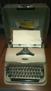 schreibmaschine triumph