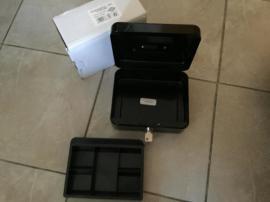Bild 4 - schwarze Geldkassette Gr 2 unbenutz - Oberasbach