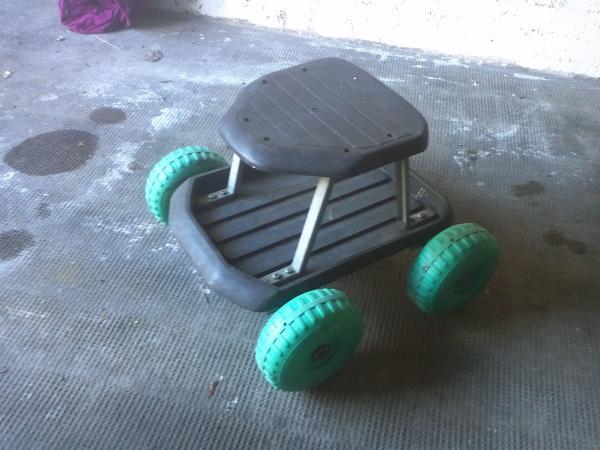 Sitzwagen für Gartenarbeit