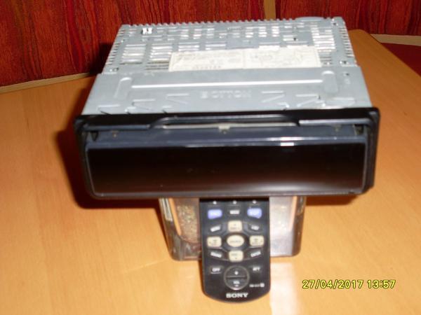 Gebraucht, Sony Autoradio Disc Player CDX M 630 TOP Zustand m. Fernbed. gebraucht kaufen  94447 Plattling